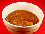 Sopa de vegetales y carnes de res (beef vegetable soup)
