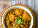 Green peas & potatoes curry | Alu matar sabzi | Simple curry for fasting (vrat)