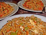 Fried Noodles With Vegetable and Chicken