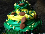 Green Bay Packer Swirl Cupcakes {Super Saturday Snack}