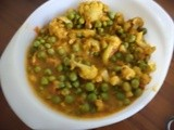 Gobi mattar masala   /   cauliflower and peas curry