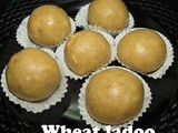 Wheat laddu i Godhi Unde