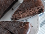 Flourless Chocolate Cake with a touch of Coconut and Almond (Gluten and Sugar Free)