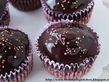 Cake Crumbs Cupcakes with Chocolate Ganache without Cream