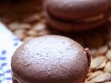 Macarons with cocoa and mascarpone and pasion fruit cream - Μακαρόν με κακάο και κρέμα μασκαρπόνε και πάσιον φρουτ