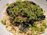 Millet with leeks and thinly chopped broccoli