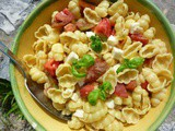 Pasta with Tomato Mozzarella and Basil